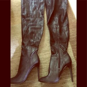 Size 10 Shoedazzle thigh high boots